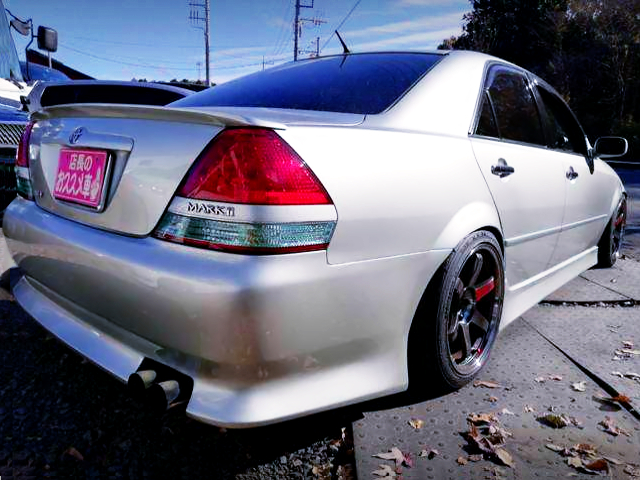 REAR EXTERIOR OF JZX110 MARK2 GRANDE iR-V to SILVER.
