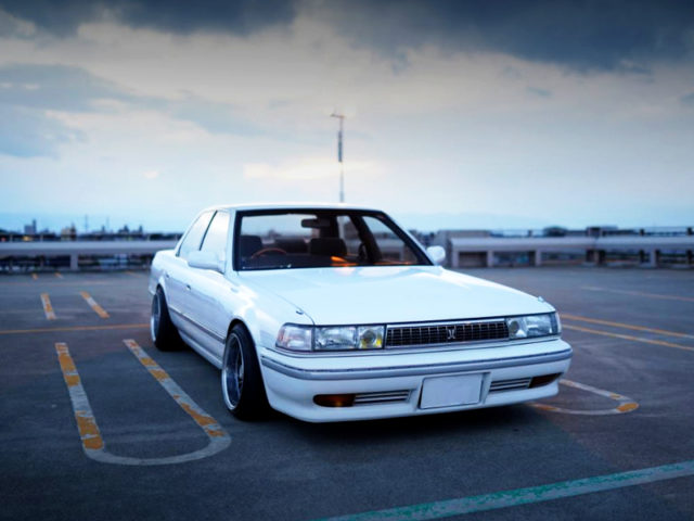 FRONT FACE OF JZX81 CRESTA TO WHITE.