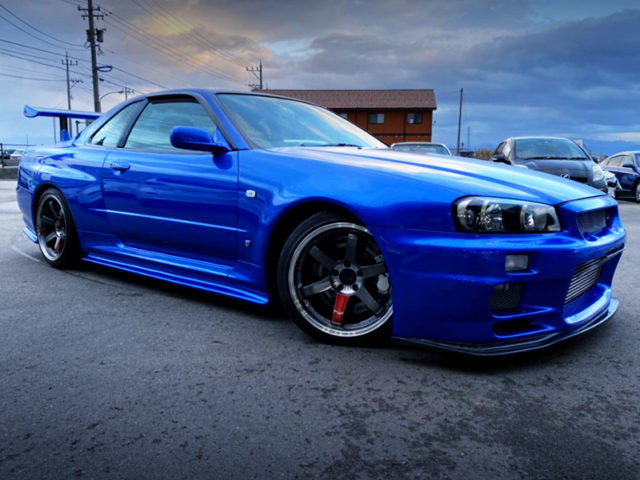 FRONT EXTERIOR OF R34 GT-R to BLUE.