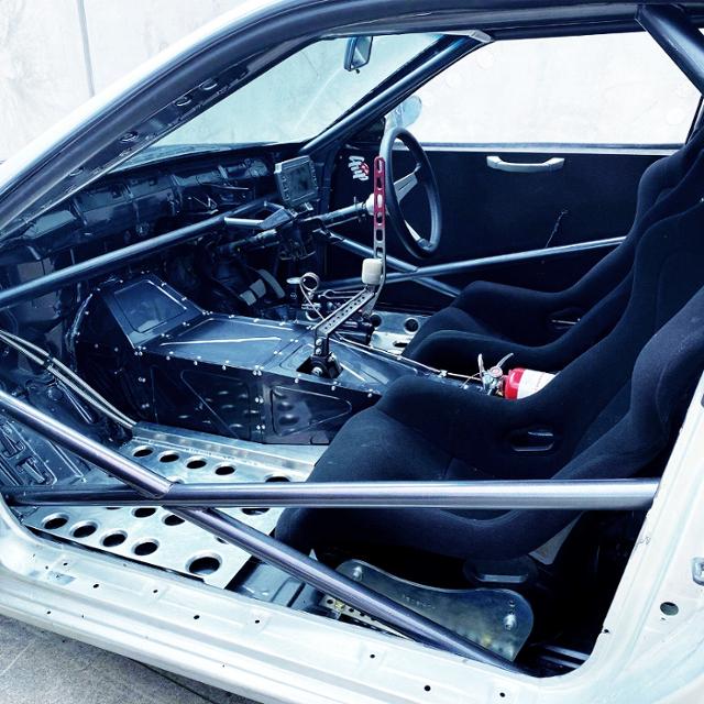 CUSTOM INTERIOR OF S14 SILVIA DRIFT CAR,