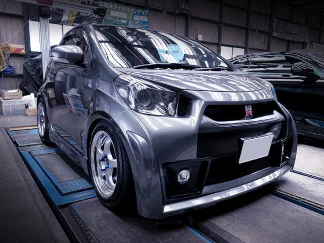 FRONT EXTERIOR OF TOYOTA IQ 130G.