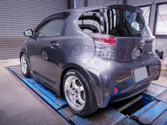 REAR EXTERIOR OF TOYOTA IQ 130G.