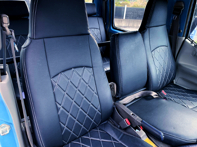 SEATS OF TRY220 ToyoAce DOUBLE CAB.