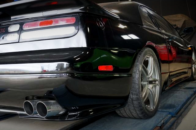 REAR RIGHT-SIDE EXTERIOR OF GCZ32 300ZX.