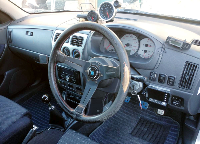 INTERIOR OF M101S STORIA TOURING to SILVER.