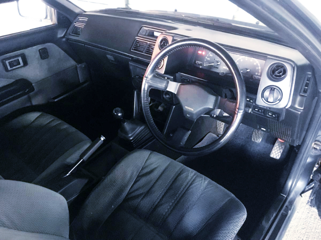 INTERIOR OF AE86 LEVIN GT-APEX.