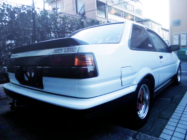 REAR EXTERIOR OF AE86 LEVIN GT.
