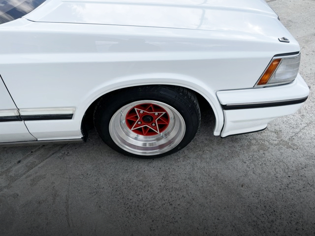 FRONT STAR SHARK WHEEL.