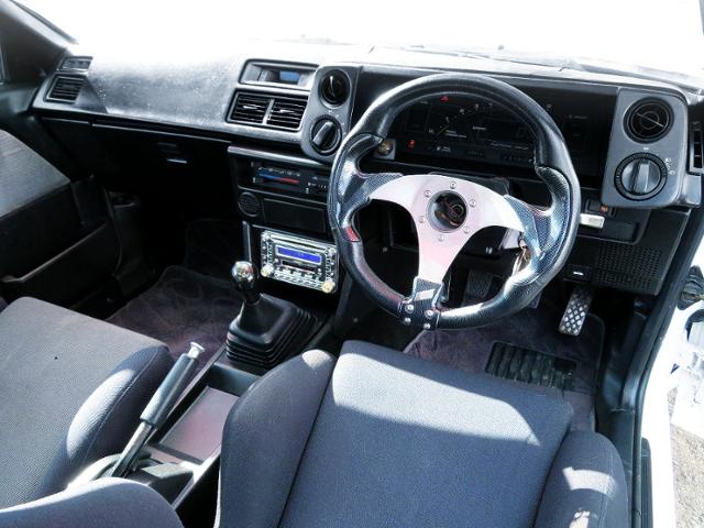 INTERIOR OF AE86 SPRINTER TRUENO.