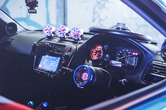 DASHBOARD OF EK9 CIVIC TYPE-R.