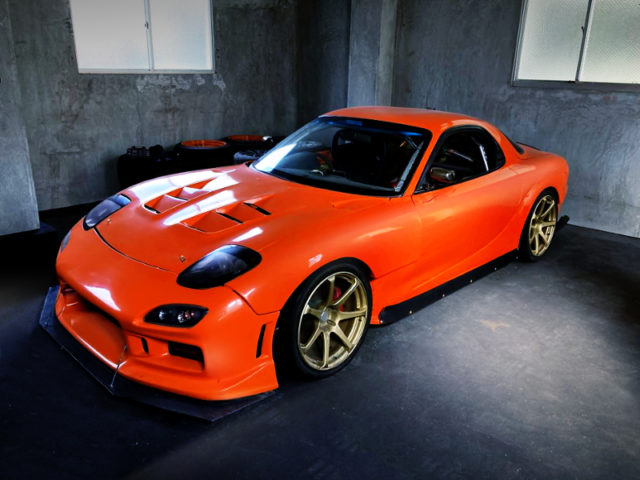 FRONT EXTERIOR OF FD3S RX-7 to ORANGE.