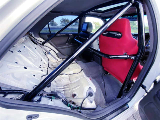 BACKSEAT DELETE With ROLL CAGE INSTALLED.