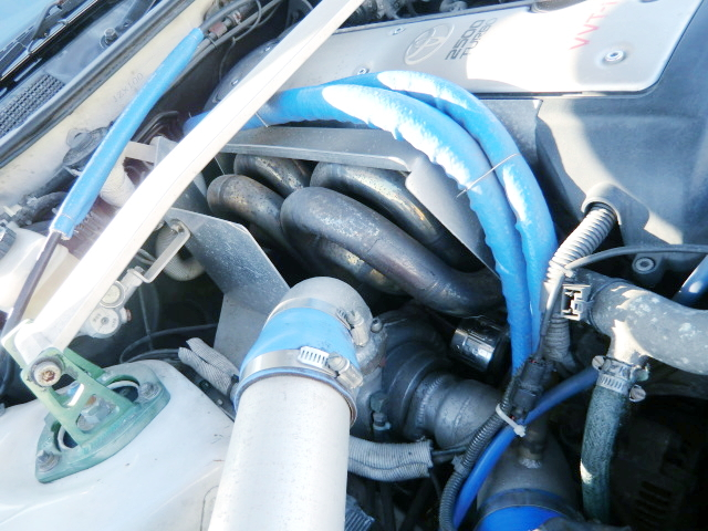 AFTERMARKET EXHAUST MANIFOLD ON 1JZ-GTEW.