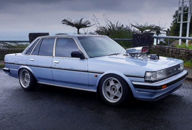 RIGHT SIDE EXTERIOR OF MX73 CRESSIDA TO LIGHT BLUE.