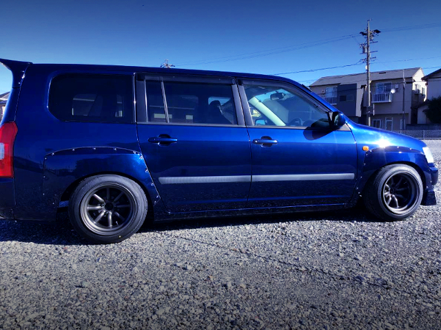 RIGHT SIDE EXTERIOR OF 50 PROBOX WAGON WIDEBODY to BLUE BLACK.