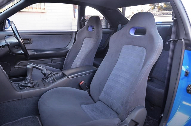 SEATS OF R33 GT-R V-SPEC LM LIMITED.
