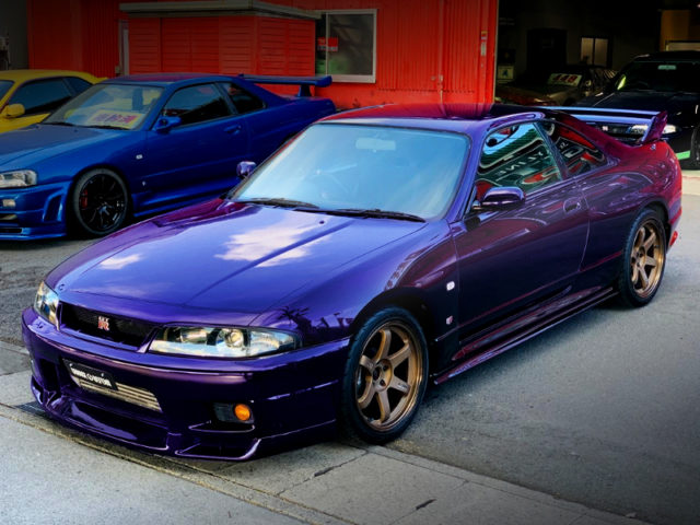 FRONT EXTERIOR OF R33 GT-R V-SPEC to MIDNIGHT PURPLE PAINT.