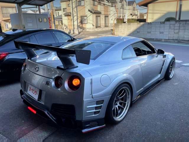 REAR EXTERIOR OF R35 GT-R WIDEBODY.