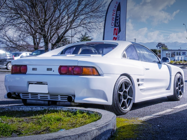 REAR EXTERIOR OF SW20 MR2 WIDEBODY to WHITE.