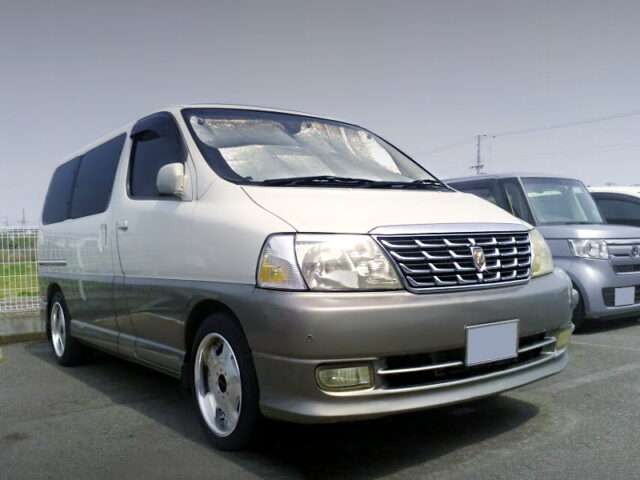 FRONT EXTERIOR OF GRAND HIACE G.