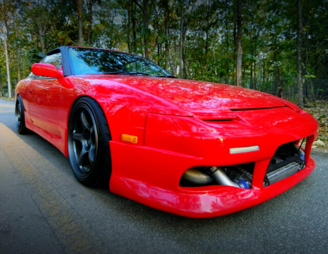 FRONT EXTERIOR OF 180SX to RED.