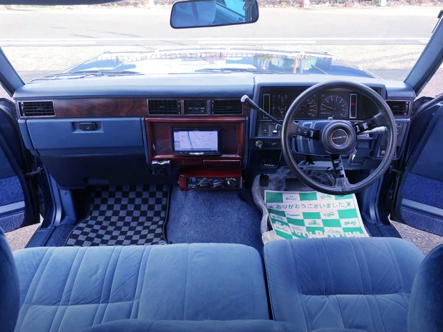 DASHBOARD OF WY30 NISSAN CEDRIC WAGON GL.