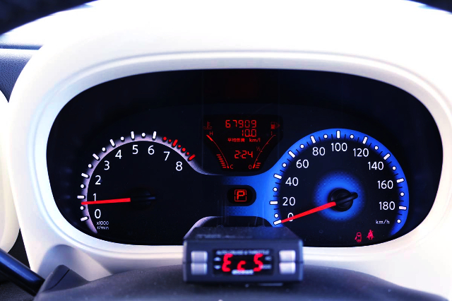 SPEED CLUSTER OF Z12 NISSAN CUBE RIDER.