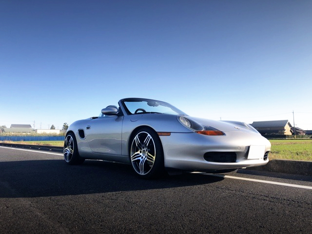 FRONT EXTERIOR OF PORSCHE 986 BOXSTER TURBO.