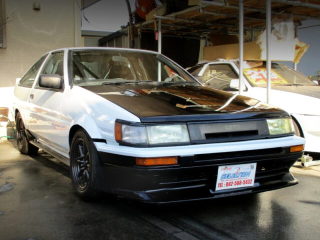 FRONT EXTERIOR OF AE86 LEVIN GTV TO WHITE.