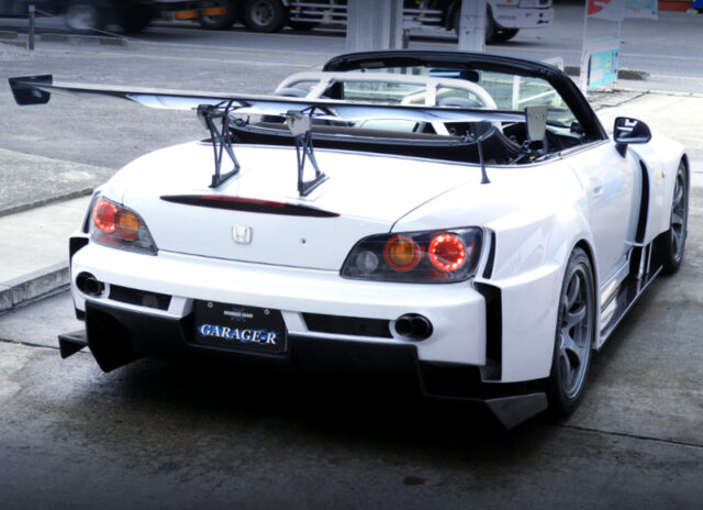 REAR EXTERIOR OF S2000 AMUSE GT1 WIDEBODY.