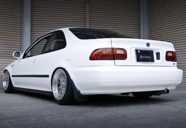 REAR EXTERIOR OF EJ1 CIVIC COUPE to WHITE.