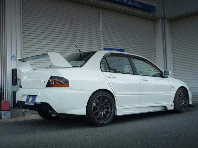 REAR EXTERIOR OF EVO 9 GT.