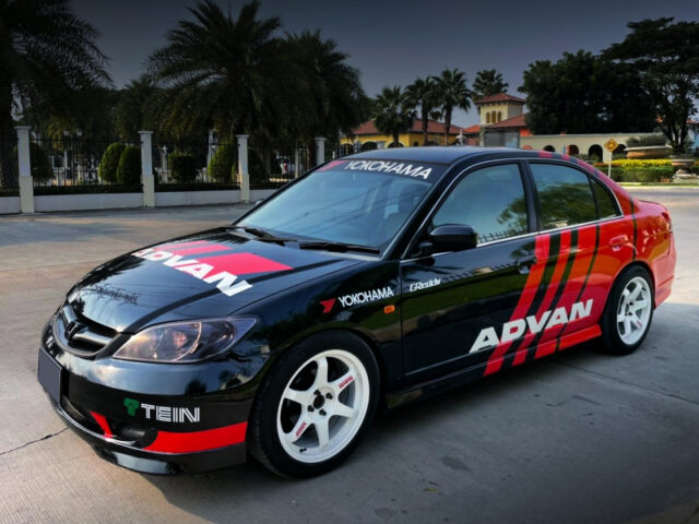 FRONT EXTERIOR OF ES CIVIC 4-DOOR to ADVAN RACING.