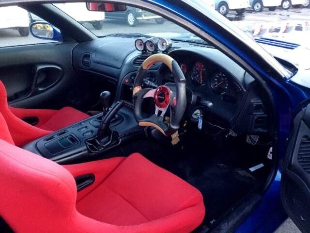 INTERIOR OF FD3S RX-7 TYPE-R.