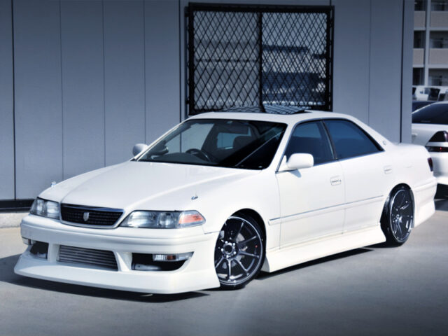 FRONT EXTERIOR OF JZX100 CHASER TOURER-V to PEARL WHITE.