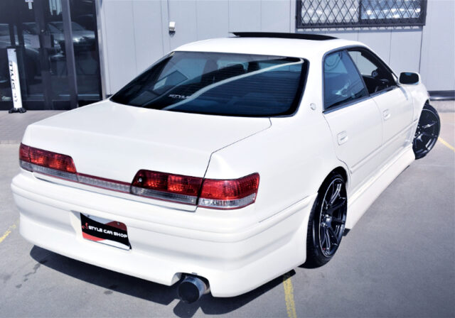 REAR EXTERIOR OF JZX100 CHASER TOURER-V to PEARL WHITE.