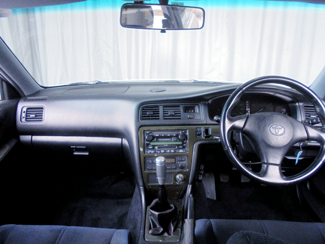 DASHBOARD OF JZX100 CHASER TOURER-S LIMITED.