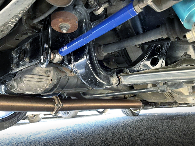 DIFFERENTIAL And EXHAUST PIPE.