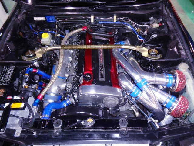 RB26DETT with NISMO R1 TURBOS.