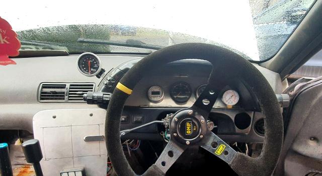DASHBOARD OF DIESEL R32 SKYLINE 2-DOOR GTS-T.