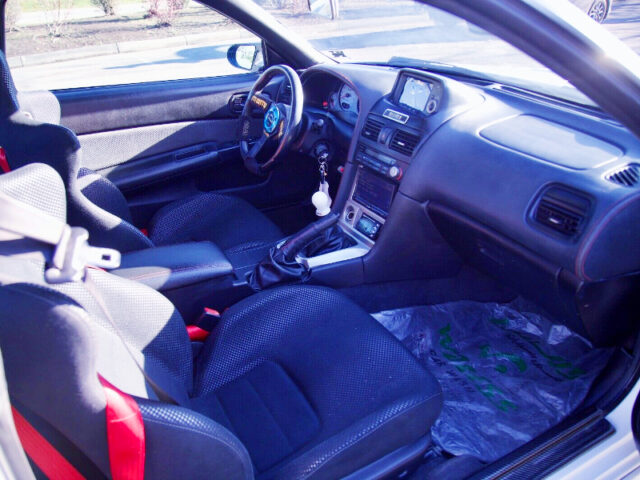 LEFT HAND DRIVE CONVERTED of R34 GT-R INTERIOR.