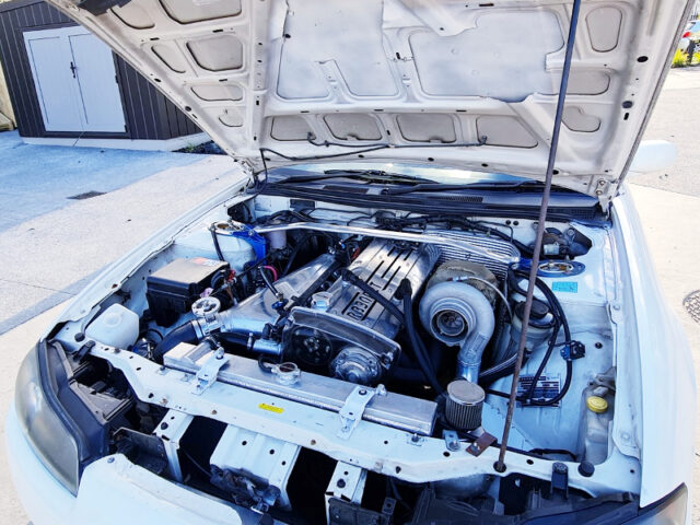 RB30DET TURBO ENGINE.