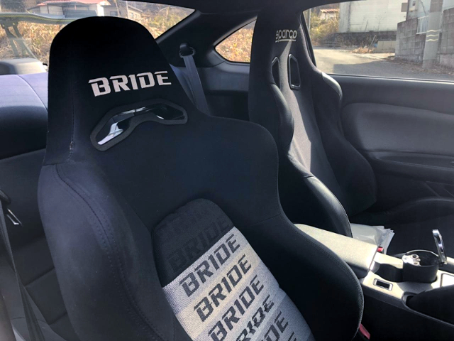 BRIDE SEAT AND SPARCO SEAT.