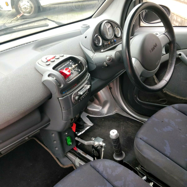 DASHBOARD OF 1st Gen SMART FORTWO.