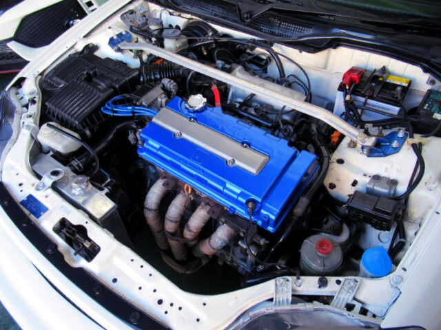 B18C 1.8-LIter VTEC ENGINE.