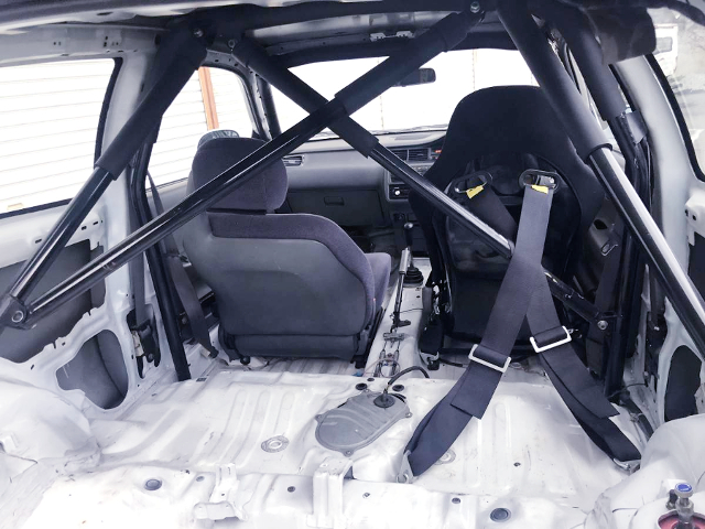 LUGGAGE SPACE And ROLL CAGE.