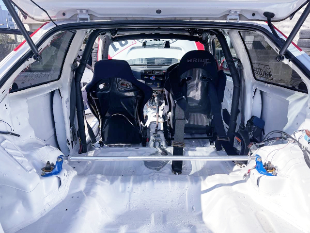 ROLL CAGE And TWO-SEATER OF EK9 CIVIC TYPE-R.