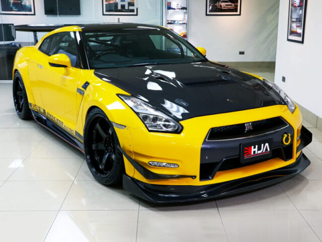 FRONT EXTERIOR of ENDLESS-R YELLOW DRAGON GT-R.