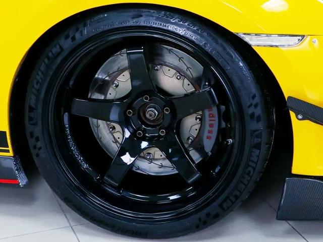 FRONT ADVAN GT WHEEL and ENDLESS Brake.