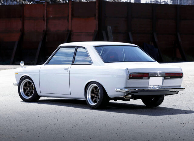 REAR EXTERIOR OF KP510 BLUEBIRD 16000SSS COUPE to WHITE.